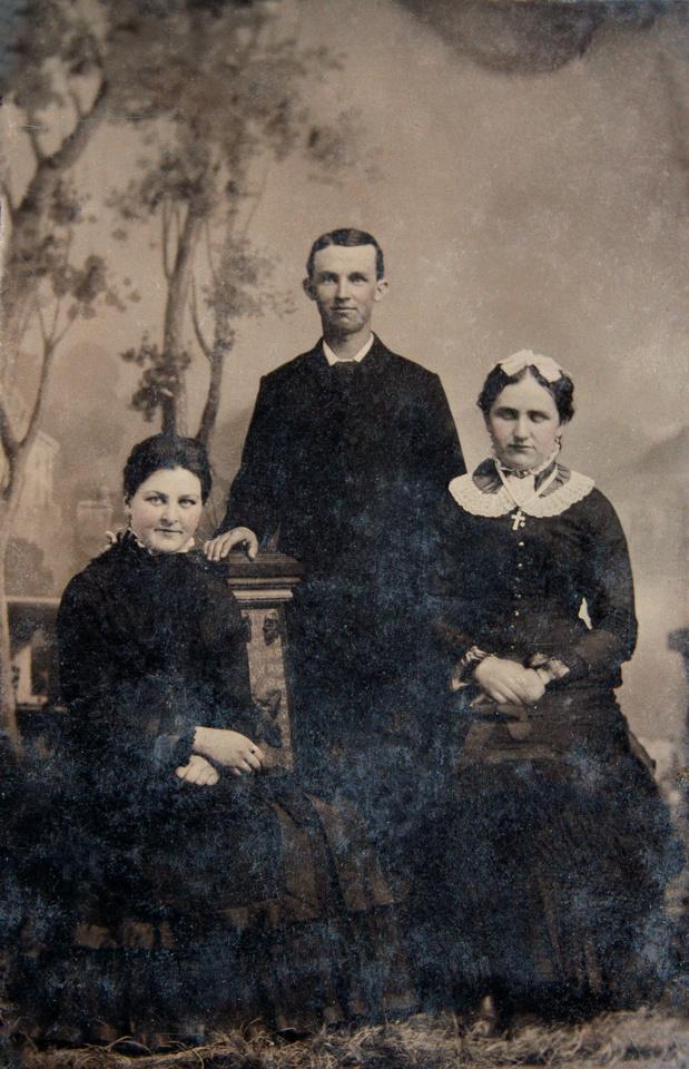 Michelle M. Murosky: The Guth Collection &emdash; Guth Family Portrait