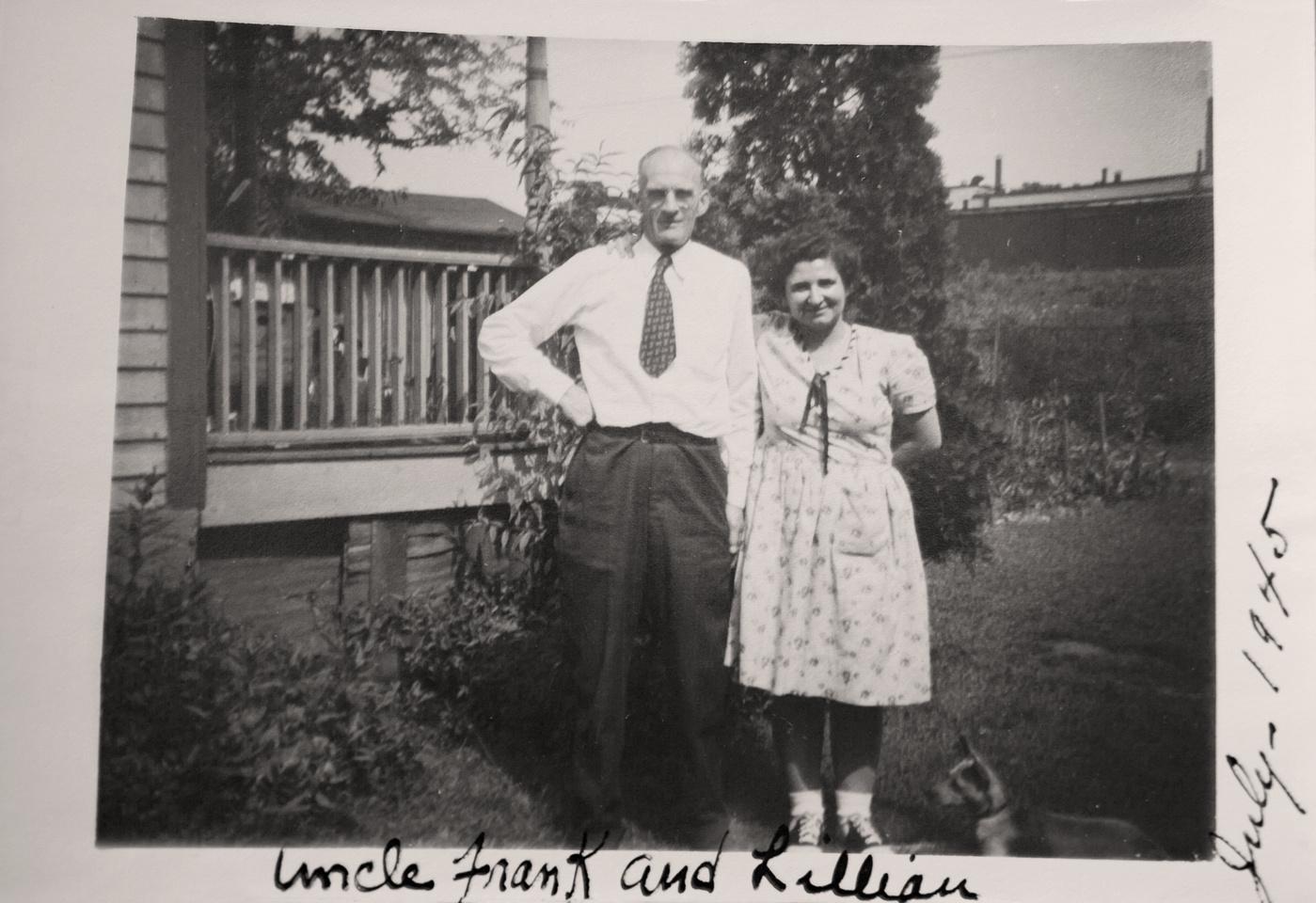 Michelle M. Murosky: The Murosky Collection &emdash; 1945 Murosky Family Gathering