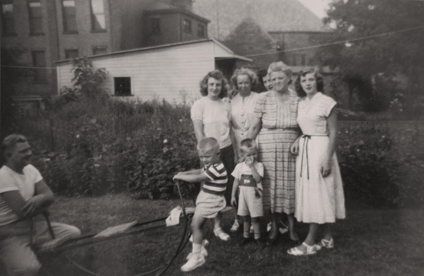 Michelle M. Murosky: The Murosky Collection &emdash; 1950's - Murosky Family Gathering