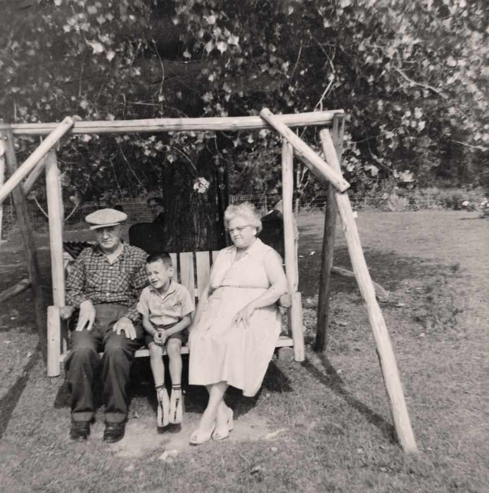 Michelle M. Murosky: The Bukowski Collection &emdash; Bukowski Family Photograph